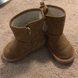 Toddler Girl size 7 ugg style boots by gap